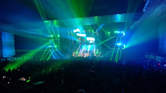 Bilbao Exhibition Centre: Momento de actuación durante el festival 'Love The 90s'.