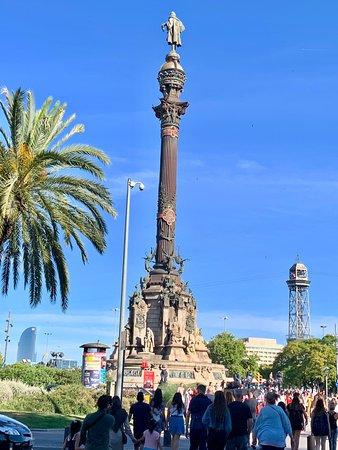 Skip the Line: Columbus Monument Ticket with Upgrade Wine Tasting in Barcelona: Estatua de Colom