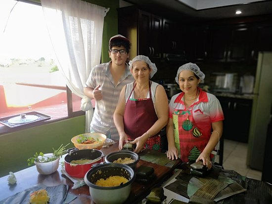 San Isidro del General District, คอสตาริกา: Cultural Inmersion through cooking classes. Learn Spanish and Costa Rican cuisine at the same time. Tamal Navideño is a traditional Costa Rican Christmas food. It contains ground corn, pork, carrots, rice, sweet pepper, achiote, wrapped in a plantain leaf and cooked
