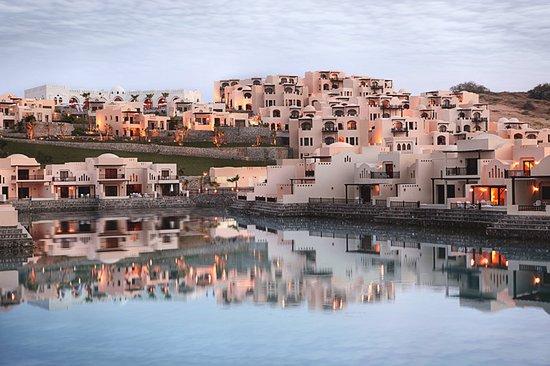 Betrogen Von Fti The Cove Rotana Resort Ras Al Khaimah Ras Al