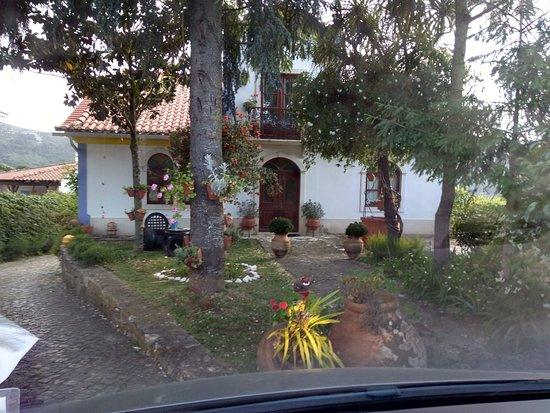 Minde, Portugal: Entra al predio