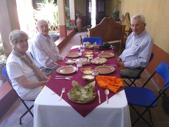 Santa Fe de la Laguna, Meksyk: Lunch is ready fro the group tour