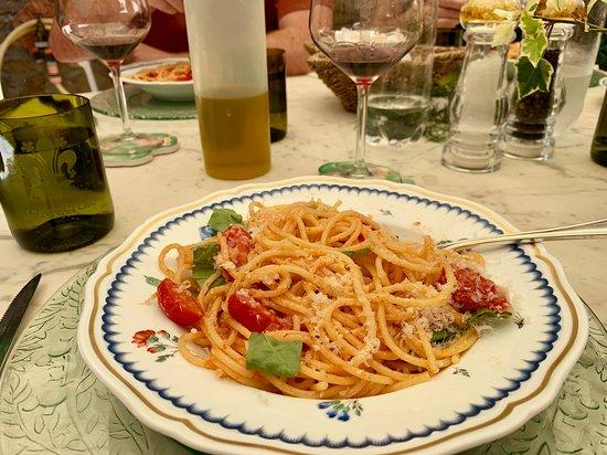Private Half-Day Wine and Food in Chianti Classico from Florence: Private lunch prepared at Cennatoio (full course).