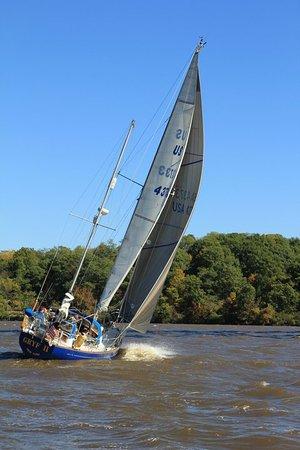 Хадсон-Ривер-Вэлли, Нью-Йорк: ASA 103 Sailing Hudson River