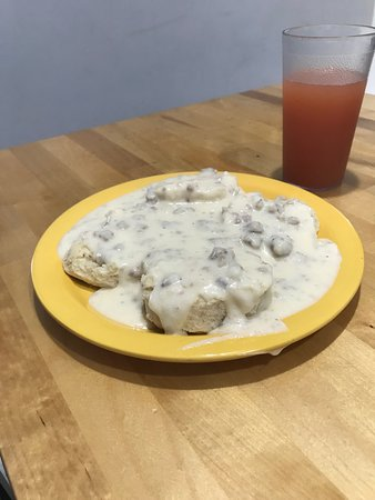Three Mile Bay, NY: Biscuits & homemade gravy