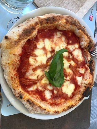 Pizza Mortadella E Crema Di Pistacchio Picture Of Pizzeria Masaniello La Spezia Tripadvisor