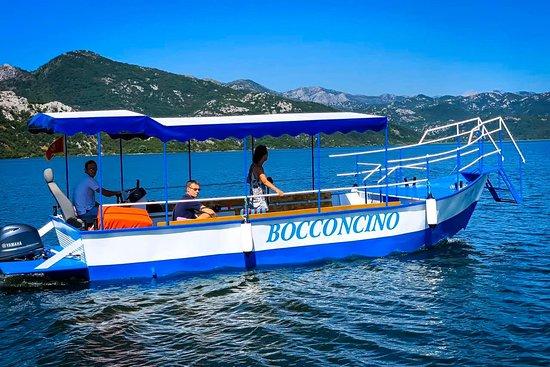 Bocconcino Boat Cruising