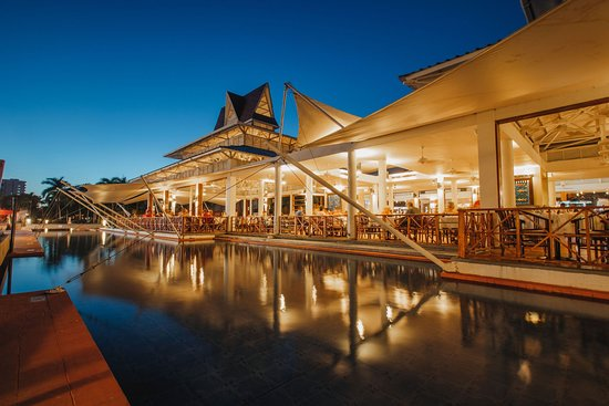 Food Poisoning - Stay away !!! - Review of Royal Decameron