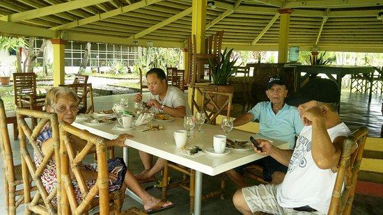 San Fabian, Filippine: Dining Table