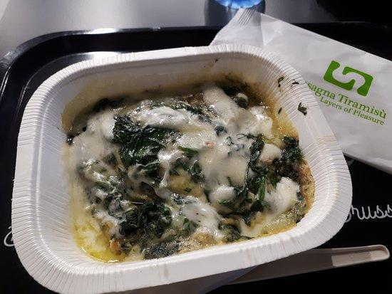 Lasagna Tiramisù: Spinach lasagna with taleggio topping