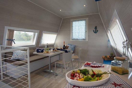 houseboat marina azzura