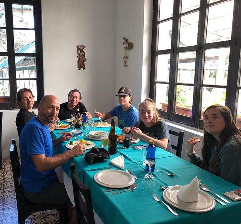 Recibiendo la grata visita de unos amigos muy estimados en #HosteriaEternaPrimavera #Huigra #Ecuador  ¡Visítanos! 🌿🇪🇨