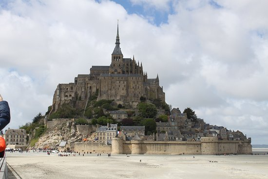 Baie du Mont St Michel: view from the bay