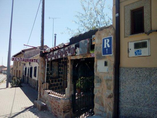 Santa Marta de Tera, สเปน: ENTRADA DEL RESTAURANTE (😃 VENTA MEDIEVO.)