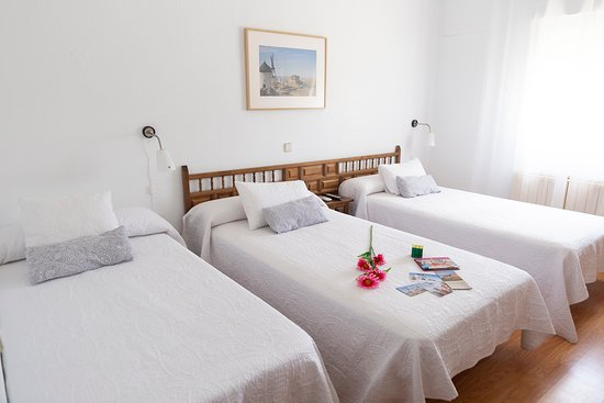 Hotel Las Provincias, hoteles en Consuegra