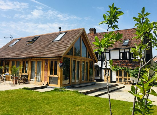 Stanwell, UK: Terrace & Patio
