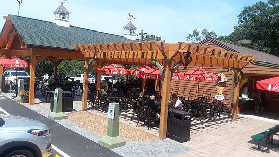 Columbia, CT: Dining area
