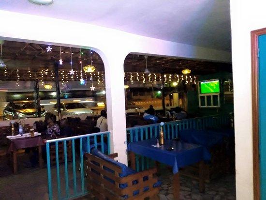 Abomey-Calavi, Benin: salle lumineuse