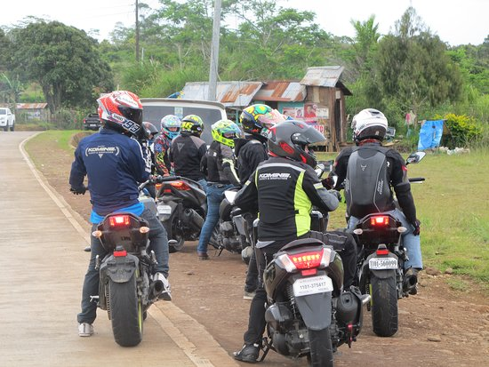 Misamis Oriental Province, الفلبين: group of bikers