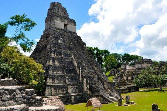 Tikal Tour fra San Ignacio