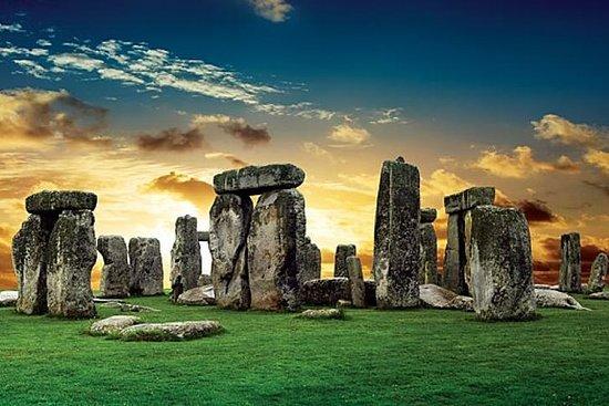Cheap trip to Stonehenge and Bath