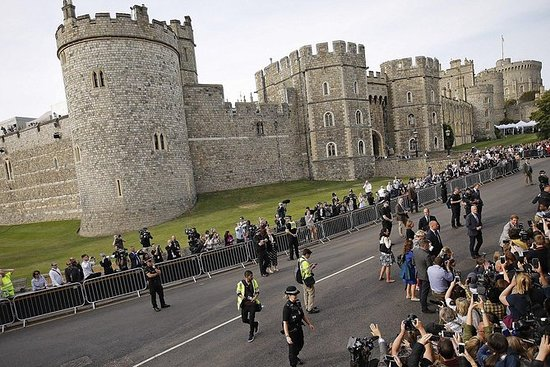 Guided day trip from London to Windsor...