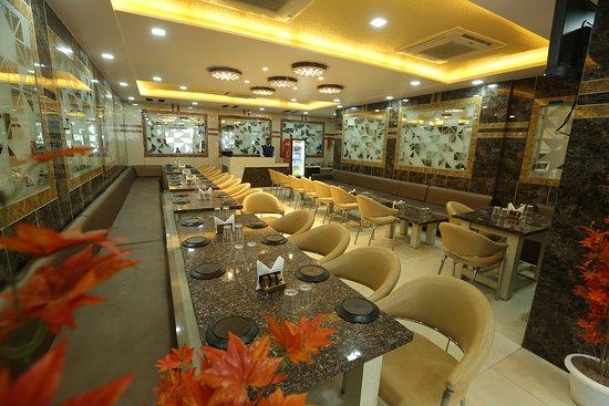 Banda, الهند: restaurant