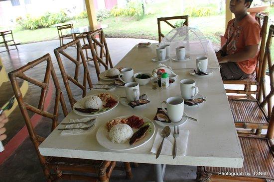 San Fabian, Filippine: Ready for breakfast