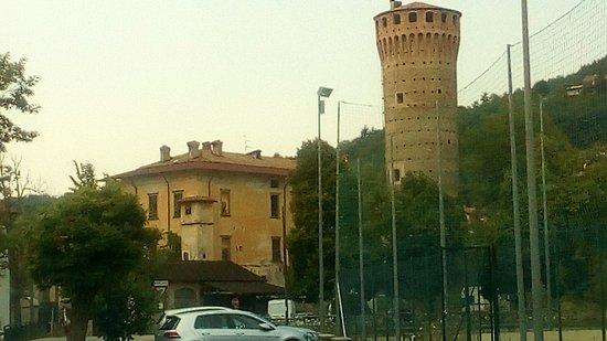 Priero, Włochy: Esterni del Castello