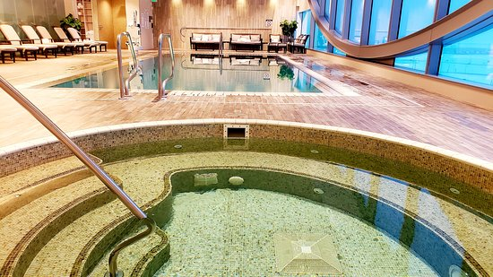 The Westin Denver International Airport: Hot Tub and Pool