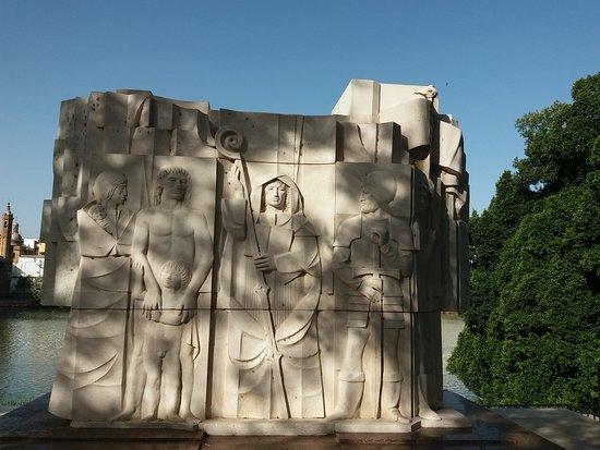 Monumento A Bartolome De Las Casas