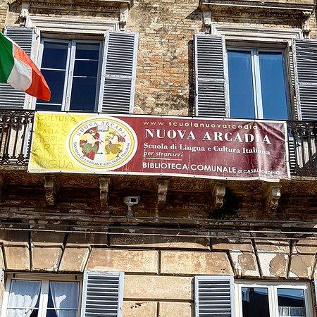 Palazzo Magnarapa: Fachada da Escola