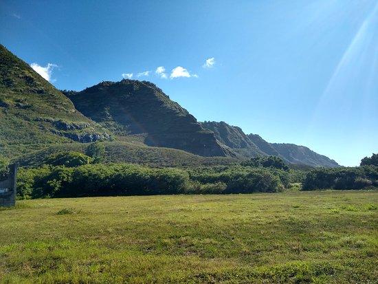 Mokuleia, HI: View of the Kealia trail from the road.