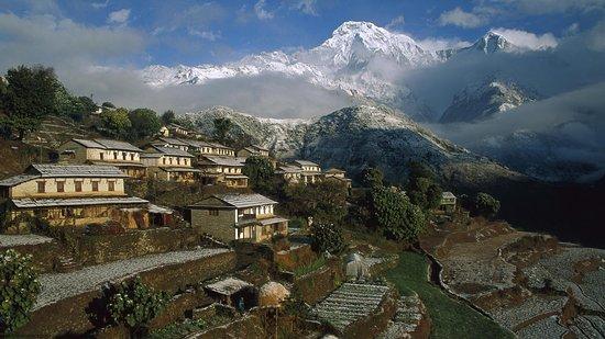 El Himalaya es una cordillera situada en el continente asiático, y se extiende por varios países: Bután, Nepal, China e India.