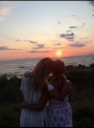 Skafidia, اليونان: #sisters#friends#family....❤