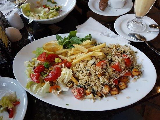 Restaurant of the Iranian Artists Forum, Tehran - Restaurant Reviews