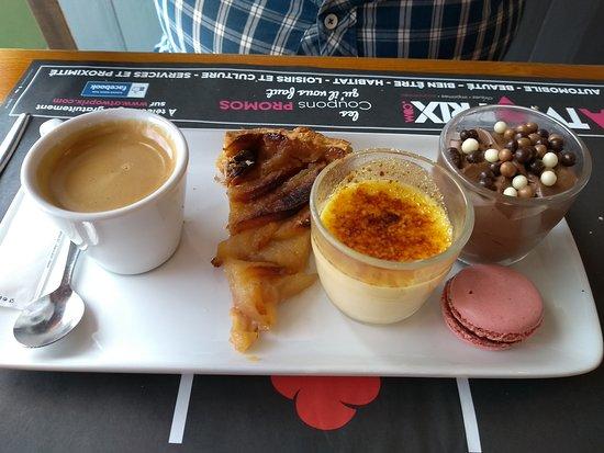 Barentin, ฝรั่งเศส: café gourmand bien servi