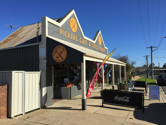 Pickers Cafe & Collectables - Rutherglen Vic