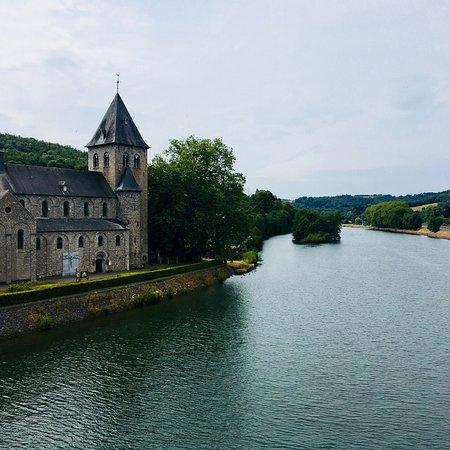 Hastiere-Lavaux, بلجيكا: Église d'Hastière