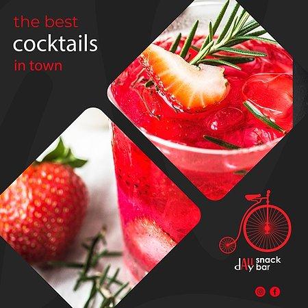 Το PODILATO είναι το snak-bar που πάντα ήθελες να υπάρχει στην πόλη σου. Η cocktail list του, είναι όσο πλούσια υπόσχεται! Καθαρά ποτά, ποιοτικά,ευφάνταστα cocktail και λογικές τιμές είναι τα συστατικά της επιτυχίας του,αυτά που θα σε κάνουν να κολλήσεις!   #cocktails #podilato #summernights