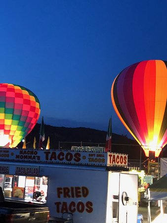 Vendors, balloonists and happy visitors - Wellsville Balloon Rally