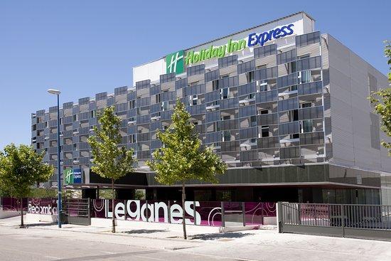 Resultado de imagen de Holiday Inn Express Madrid Warner