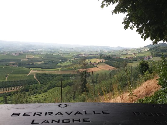 Verduno, Italija: Vista dal Belvedere