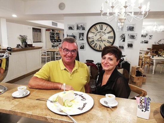 Tavernelle di Panicale, Taliansko: Buon compleanno Antonello