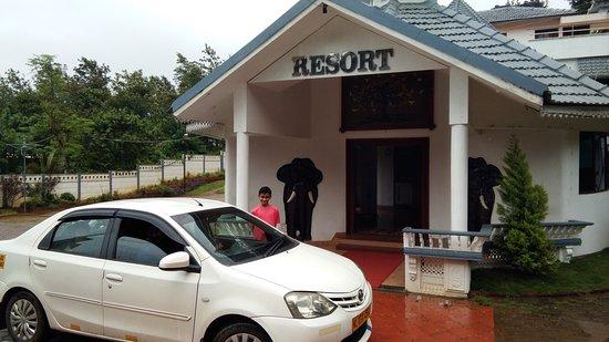 Reasonable Hotel Near Kattikkulam around 20 kms from Thirunelli.