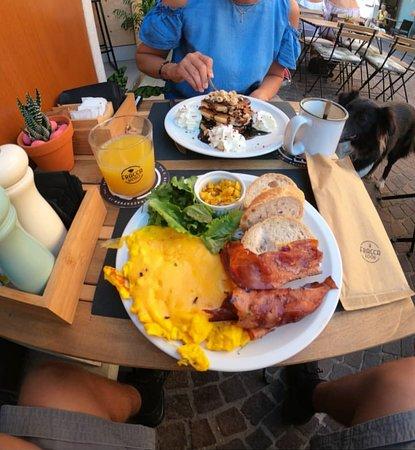 Fracca Bistrò: Eggs and bacon