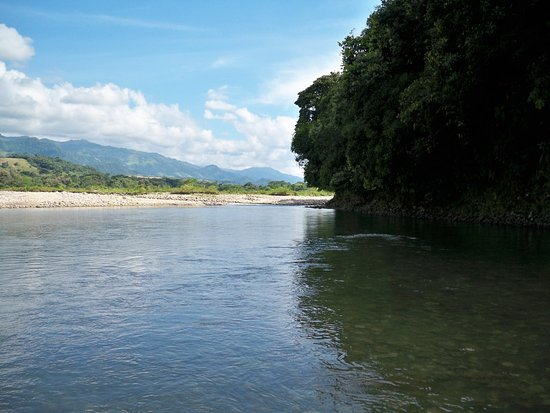 Casanare Department, Colombie : Rio Tua. Aguas cristalinas turqueza, perfecto para un inolvidable chapuzón!