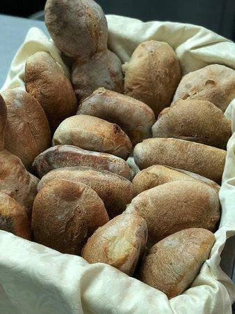 Riace, Italia: Pane appena sfornato
