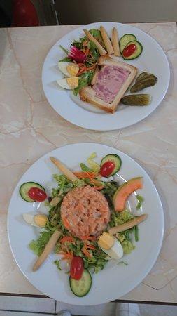 Daluis, Francia: pâtée en croûte  et tartare de saumon
