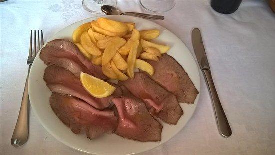 Cabella Ligure, Italy: Roastbeef con Patatine